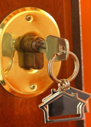 Lock Locksmith Tech Rochester, MI 248-509-0945